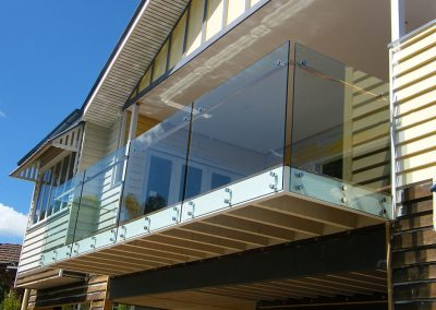 fully-frameless-glass-balustrade-04