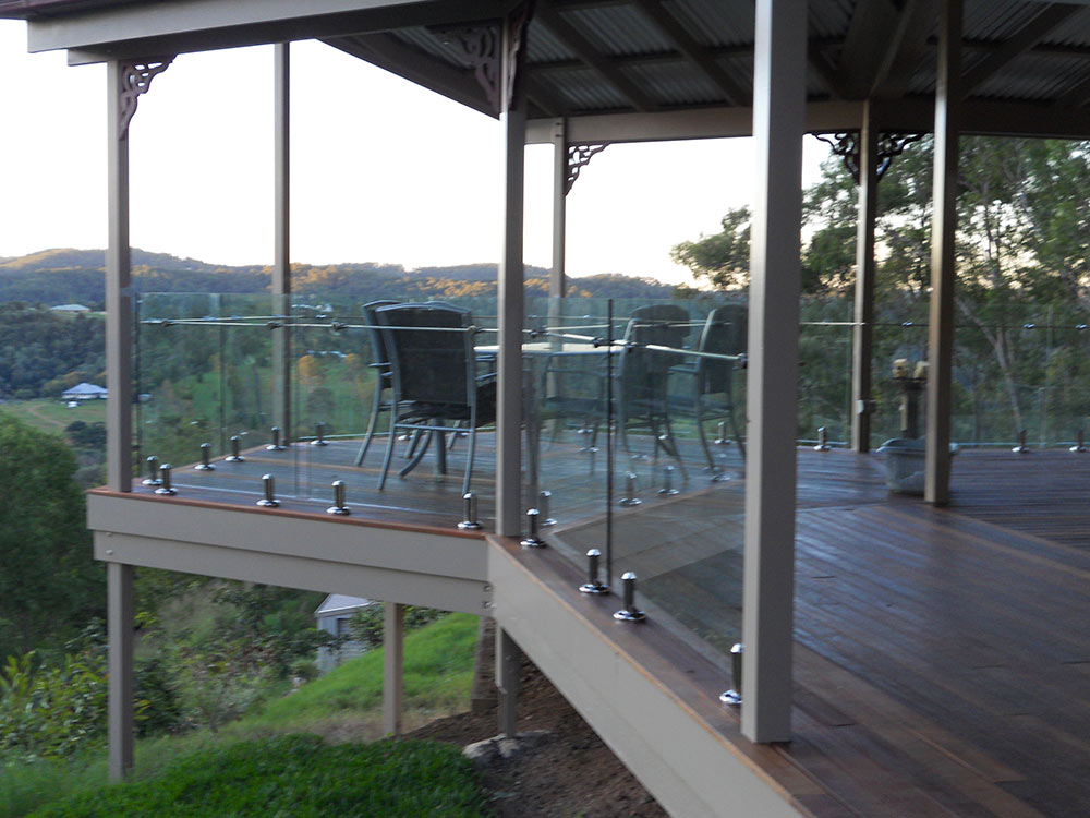 Internal and external glass balustrades (frameless, semi frameless, side fixed, stairs)