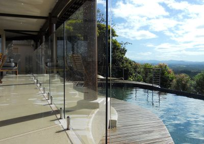 fully-frameless-glass-pool-fencing-01
