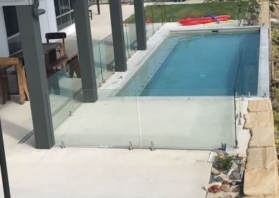 fully-frameless-glass-pool-fencing-17