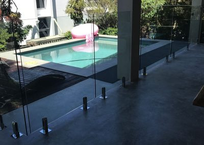fully-frameless-glass-pool-fencing-18