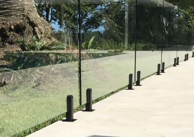 fully-frameless-glass-pool-fencing-26