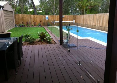 fully-frameless-glass-pool-fencing-27