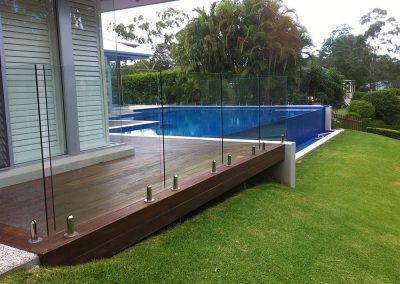 fully-frameless-glass-pool-fencing-28