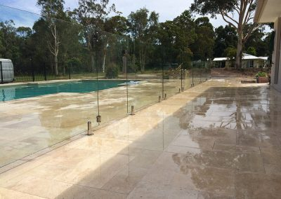fully-frameless-glass-pool-fencing-29
