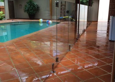 fully-frameless-glass-pool-fencing-31