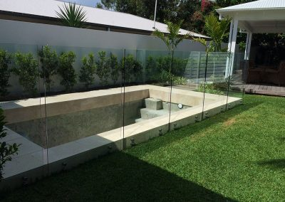 fully-frameless-glass-pool-fencing-32