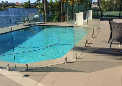 fully-frameless-glass-pool-fencing-33