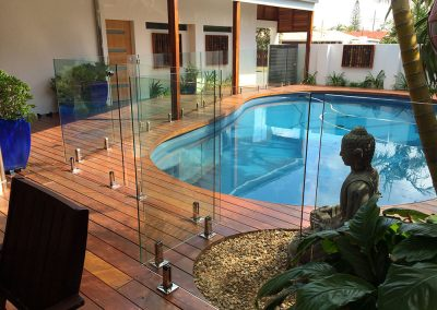 fully-frameless-glass-pool-fencing-38