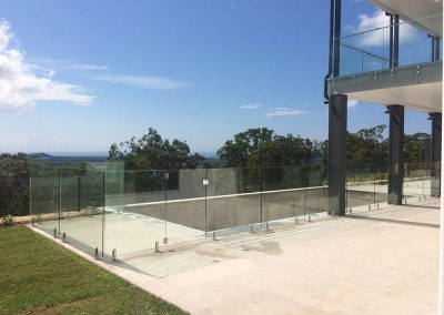 fully-frameless-glass-pool-fencing-39