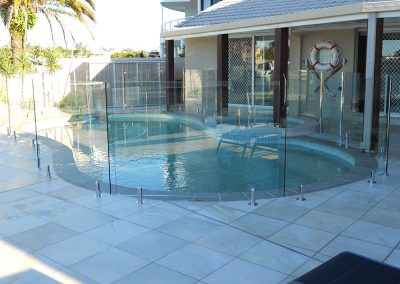 fully-frameless-glass-pool-fencing-42