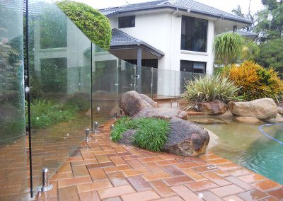 fully-frameless-glass-pool-fencing-43
