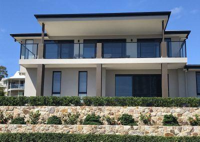 semi-frameless-glass-balustrade-01