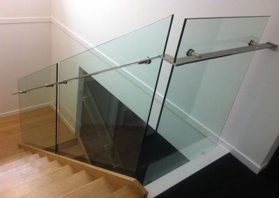 semi-frameless-glass-balustrade-03